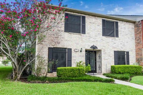 Photo of 474 Georgetown St, Beaumont, TX 77707