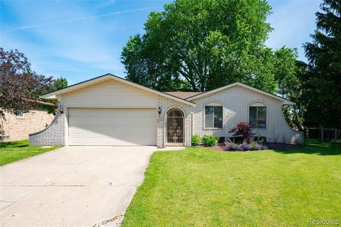 Photo of 18319 Kandt Dr, Macomb Township, MI 48044