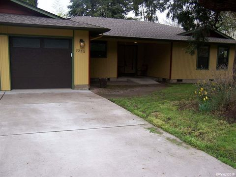 Photo of 3253 Sw Willamette Ave, Corvallis, OR 97333