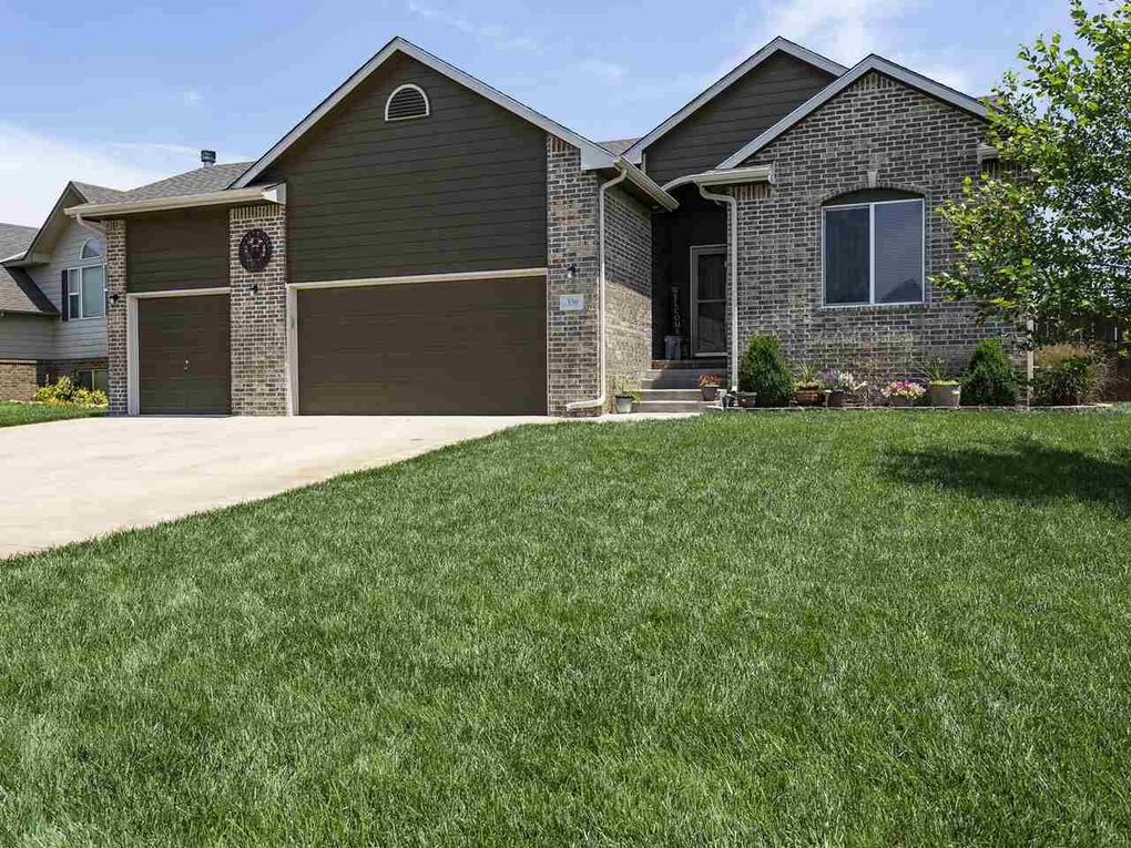 330 S Stoneridge St Valley Center, KS 67147