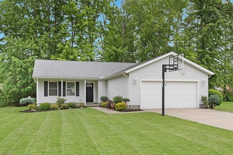 Photo of 7669 Lake Rd E, Madison, OH 44057