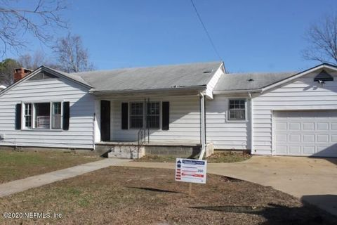 Photo of 916 Brooklyn Ave, Albertville, AL 35950