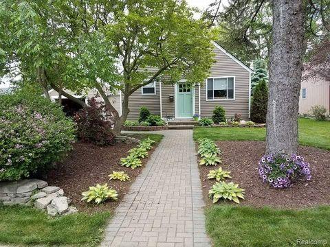 Excellent 48062 Real Estate Homes For Sale Realtor Com Home Interior And Landscaping Ologienasavecom