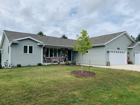 Photo of 1008 Armstrong Ave, Howards Grove, WI 53083