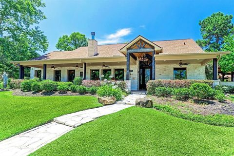 Photo of 20064 Hilltop Ranch Dr, Montgomery, TX 77316