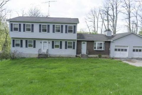 Photo of 23 Clearview Cir, Hopewell Junction, NY 12533