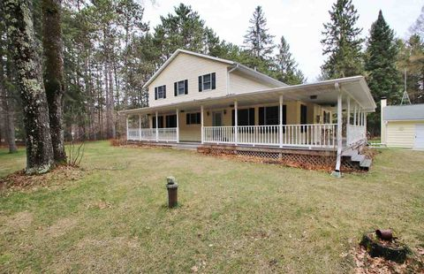 Photo of W11986 Parkway Rd, Crivitz, WI 54114