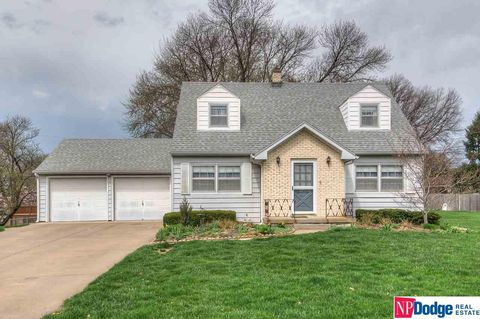Photo of 1718 N 91st Cir, Omaha, NE 68114