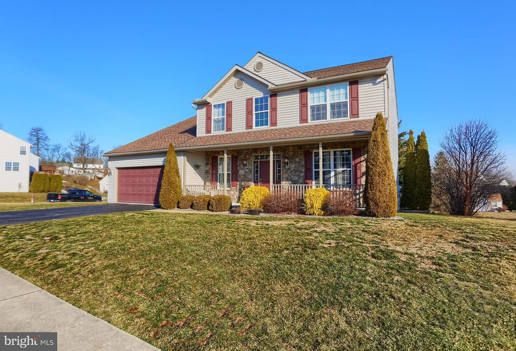 2531 Andrew Dr, Reading, PA 19608