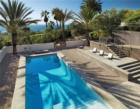 Laguna Beach, CA Houses for Sale with Swimming Pool