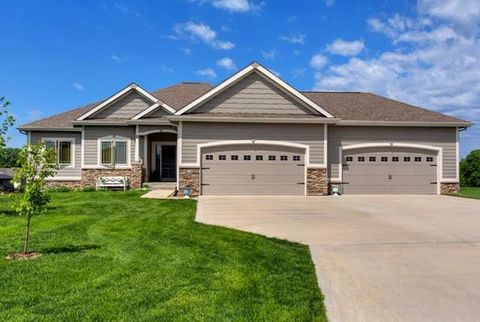 Photo of 8746 Nw 26th Ct, Ankeny, IA 50023