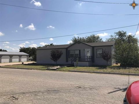 Photo of 806 6th St, Eunice, NM 88231