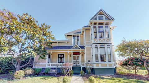 Photo of 563 Ocean Ave, Ferndale, CA 95536