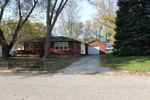 219 Country View Dr, Hudson, IA 50643