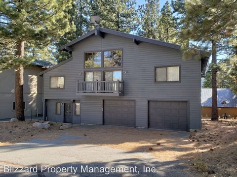 Photo of 96 Holiday Vista Dr, Mammoth Lakes, CA 93546
