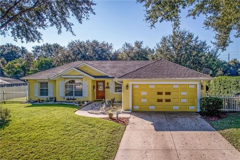 Photo of 36551 Sundance Dr, Grand Island, FL 32735
