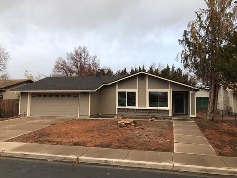 1030 Robbie Way, Sparks, NV 89434