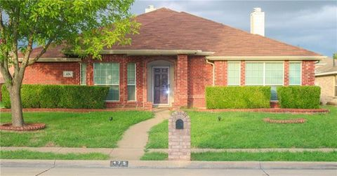 Photo of 475 Sunnyside Dr, Lancaster, TX 75146