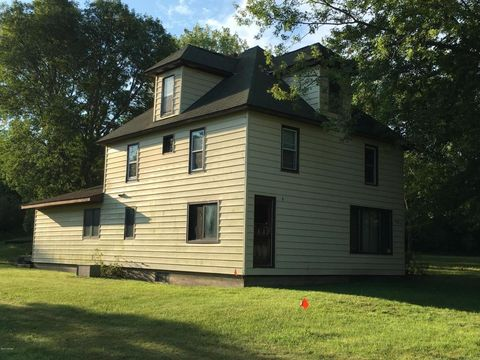 Photo of 107 N River St, Lynd, MN 56157