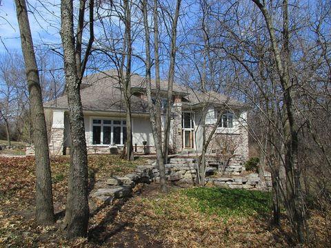 Photo of 208 Cypress Pt, North Prairie, WI 53153