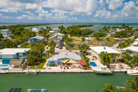 Photo of 213 Tollgate Blvd, Village of Islands, FL 33036
