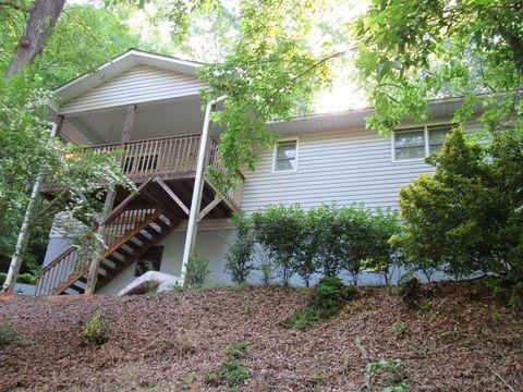 Photo of 131 Woodland Hills Dr, Franklin, NC 28734