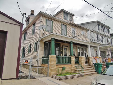 Photo of 237 W Girard St, Atlas, PA 17851