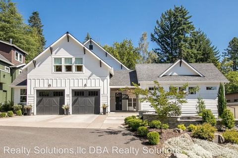 Photo of 3184 Sw 73rd Ave, Portland, OR 97225