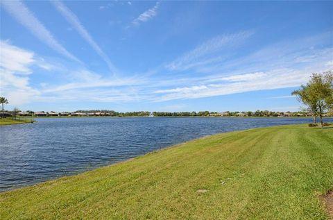Photo of 5024 Stone Harbor Cir, Wimauma, FL 33598