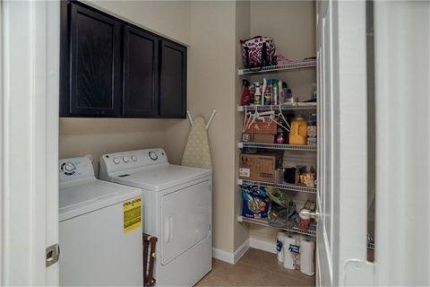 1608 Paintbrush Dr, Lockhart, TX 78644