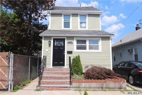 86-09 259th St, Floral Park, NY 11001