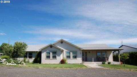Photo of 257 W Lincoln St, Athena, OR 97813