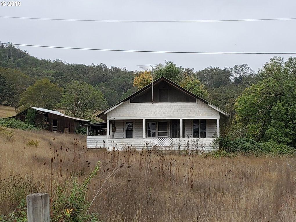 1041 Roberts Creek Rd Roseburg, OR 97471
