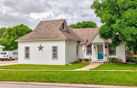 Photo of 312 S 4th Ave, Winterset, IA 50273