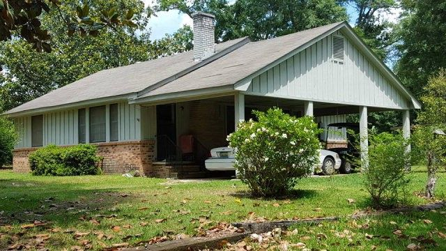 911 E 9th St, Bay Minette, AL 36507