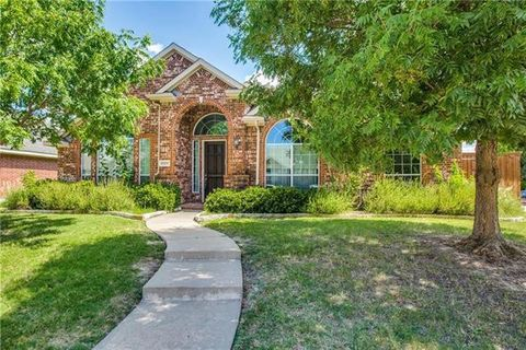 Photo of 10217 Ambergate Ln, Frisco, TX 75035