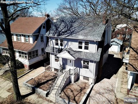 Photo of 45 Bayview Ave, Newark, NJ 07112