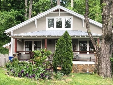 Photo of 26 Governors View Rd, Asheville, NC 28805
