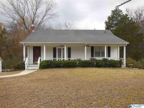 Photo of 4317 Danville Rd Sw, Decatur, AL 35603