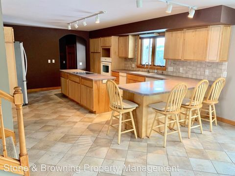 Photo of 68 Spruce Mountain Dr, Barre, VT 05641