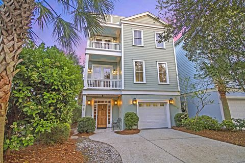 Photo of 19 Yacht Harbor Ct, Isle Of Palms, SC 29451