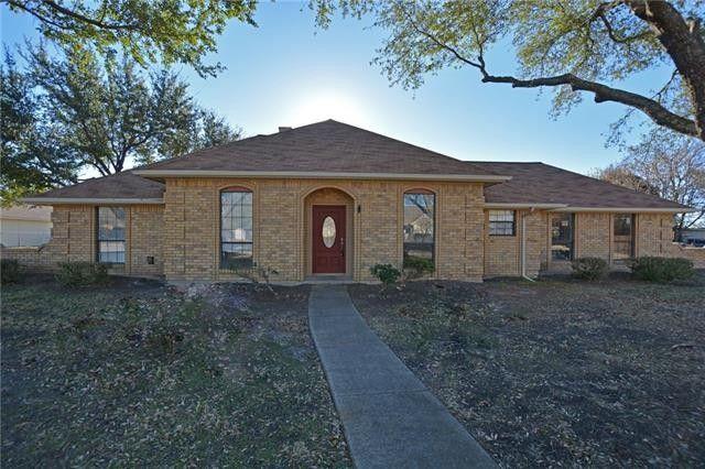 16 Lee Cir, Heath, TX 75032