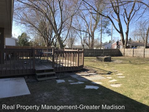 Photo of 172 Williamson Ave, Sun Prairie, WI 53590