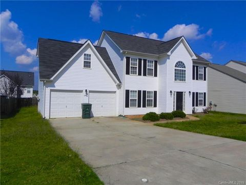 Photo of 247 Madelia Pl, Mooresville, NC 28115