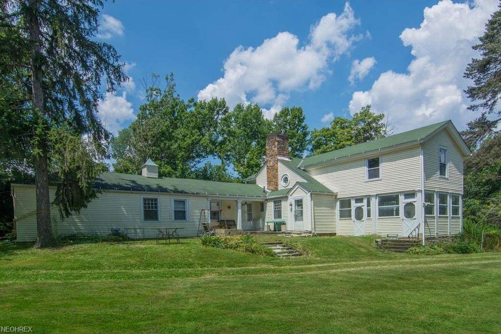 1634 Bellus Rd Hinckley, OH 44233