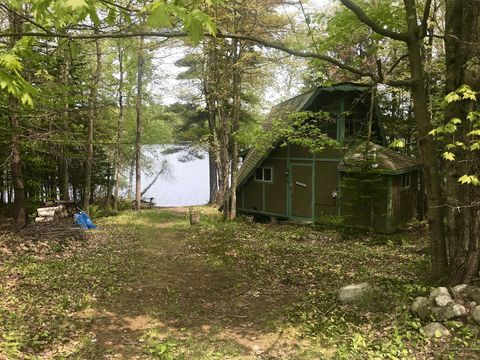 Photo of 47 Point Ln, Norway, ME 04268