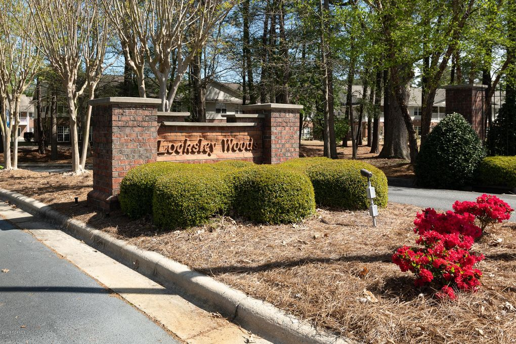 2235 Locksley Woods Dr Apt A, Greenville, NC 27858