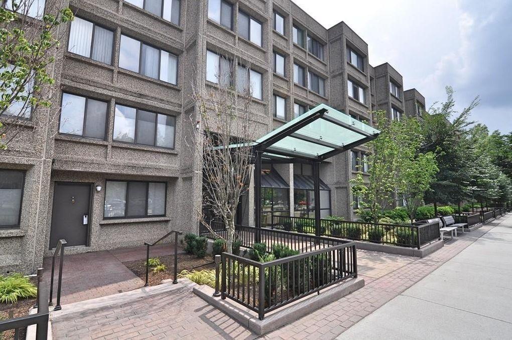 1731 Beacon St Apt 515, Brookline, MA 02445
