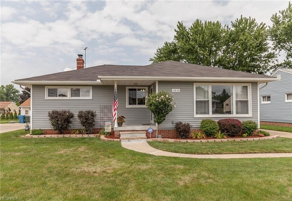 10630 Sharon Dr, Parma, OH 44130