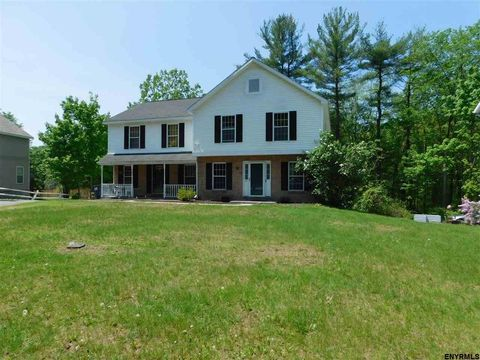12 Rosewood Ct, Ballston Spa, NY 12020